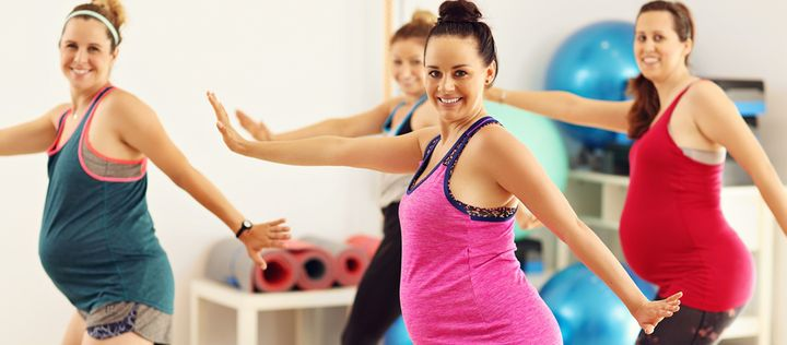 Picture showing group of pregnant women during fitness class